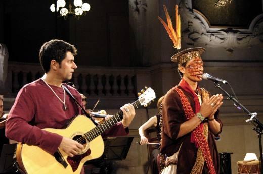 Leoni e Ashaninkas ao vivo em Paris